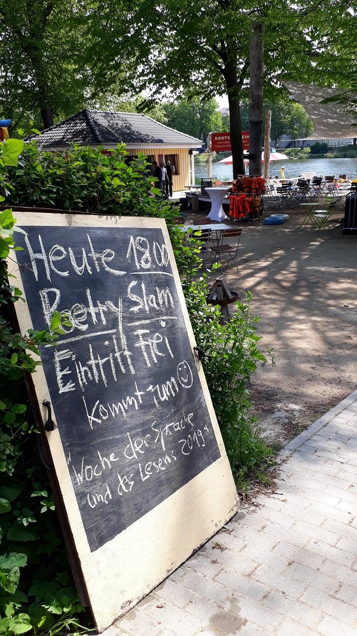 """""""Der 88 der das denkt"""" Jesse. Poetry Slam im Bürgergarten Stralsund"""